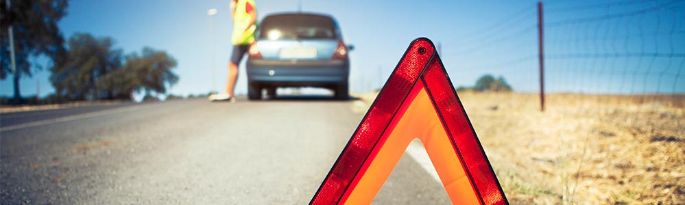 Como colocar los triángulos de emergencia de nuestro coche en caso de avería